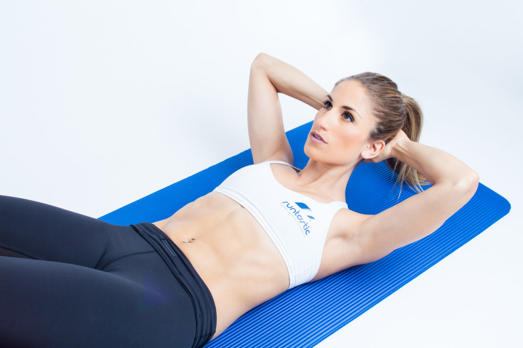 9 Effective Ab Workouts You Can Do In Under 20 Minutes