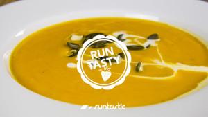 Vegane Kürbis-Süßkartoffel-Suppe mit Kokosmilch