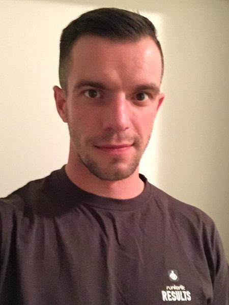Young man in Runtastic shirt