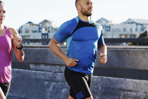 What do runners eat to reach a healthy weight?