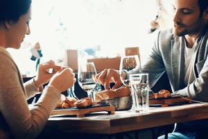 9 cose da fare per mangiare bene e sano in ristorante
