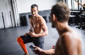 4 schnelle Indoor-Workouts für eine starke Körpermitte