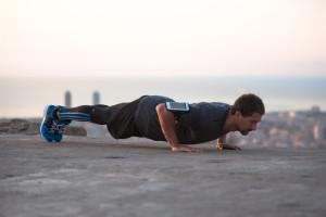 Perché rinforzare il core aiuta a migliorare i ritmi di corsa