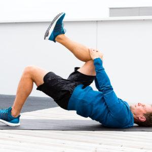 Knieschmerzen beim Laufen - Top 7 Übungen für das IT-Band-Syndrom
