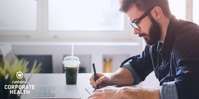 Rester assis toute la journée : 6 dangers pour la santé