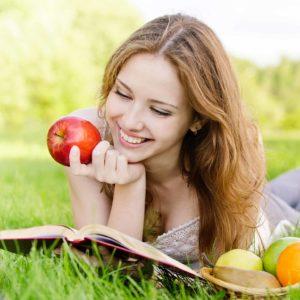 Erfrischende Abwechslung an heißen Tagen – so sparst du Kalorien ein