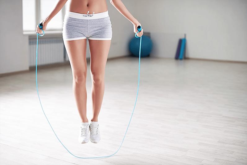 Hüpf dich fit & verbrenn Fett: 12-Minuten-Springseil-Workout