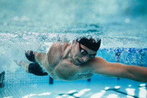Endurance Training in Winter >> Swimming as the Perfect Alternative