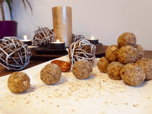 Creative Christmas Cookies Recipes With Avocado, Chia Seeds & Peanuts