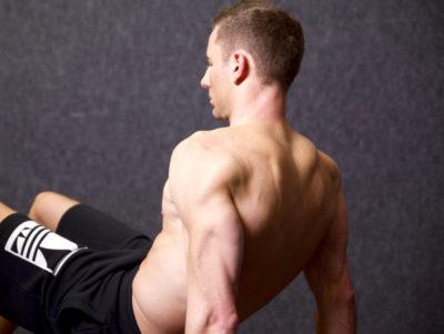 Die 7 besten Bodyweight-Übungen für einen starken Trizeps