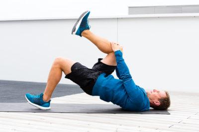Knieschmerzen beim Laufen – Top 7 Übungen für das IT-Band-Syndrom