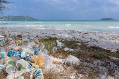 7 choses que nous pouvons faire pour limiter le plastique