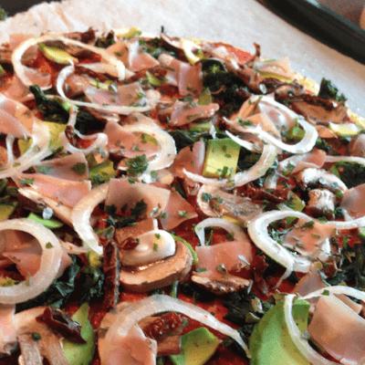 Paläo-Pizza aus Blumenkohl – ohne schlechtes Gewissen