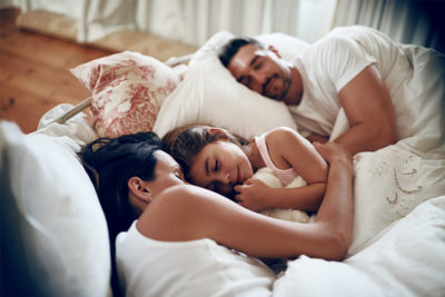Who Sleeps Better – Women or Men? Tips & Tricks for a Good Night's Sleep