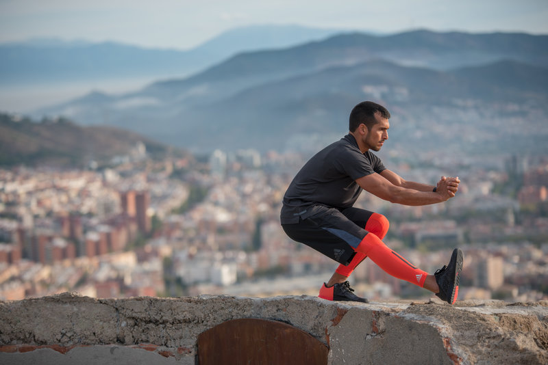 Día de hacer pierna: hombre entrenando