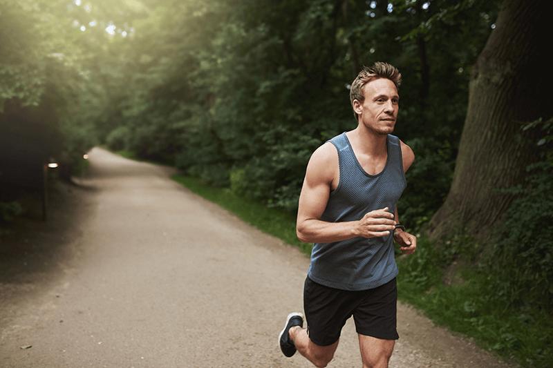Corsa o sollevamento pesi prima?