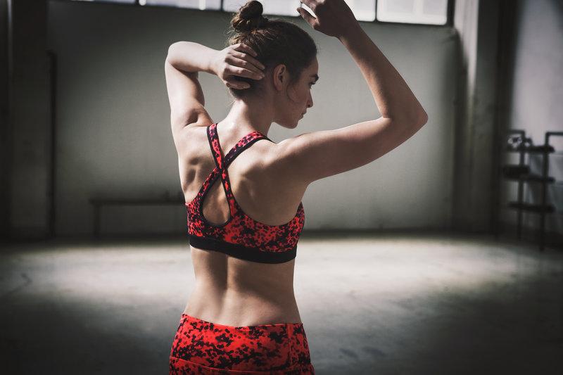Jeune femme à l'entraînement