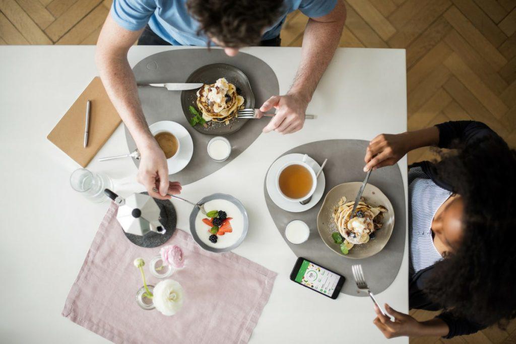 People eating breakfast