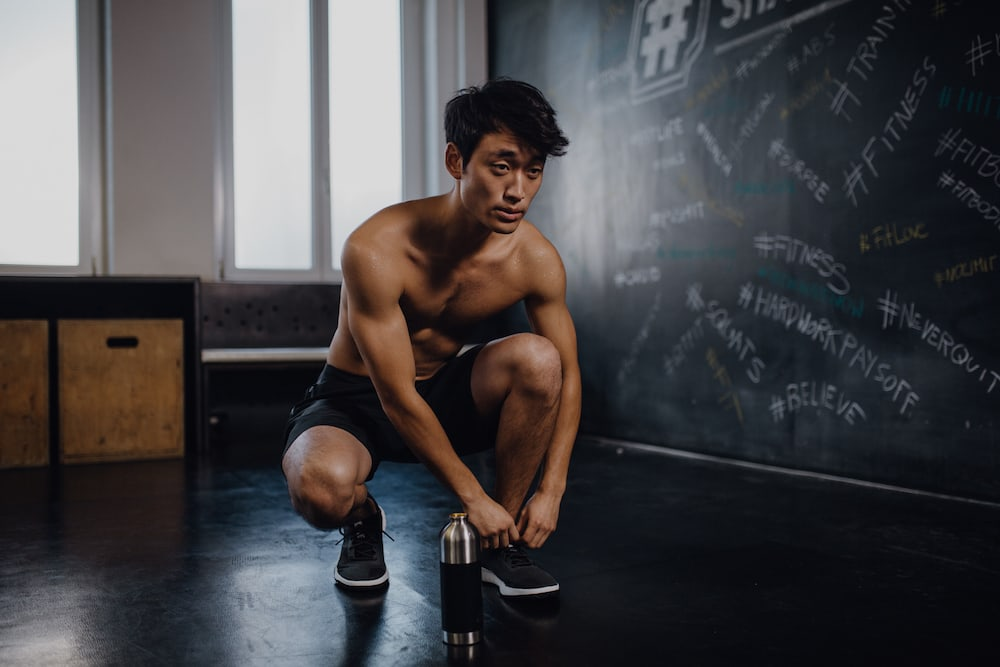 Man getting ready to work out