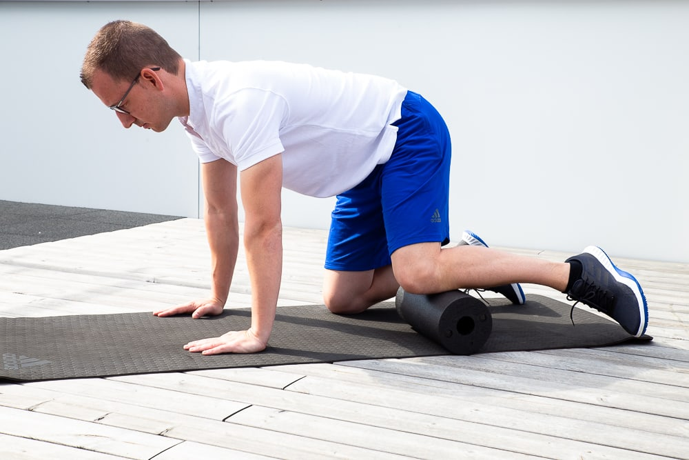 Foam rolling the Pes anserinus directly