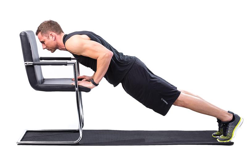 Man doing incline Push-Up