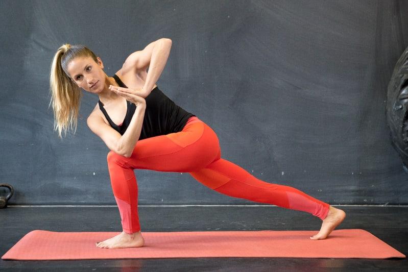 revolving crescent lunge yoga pose