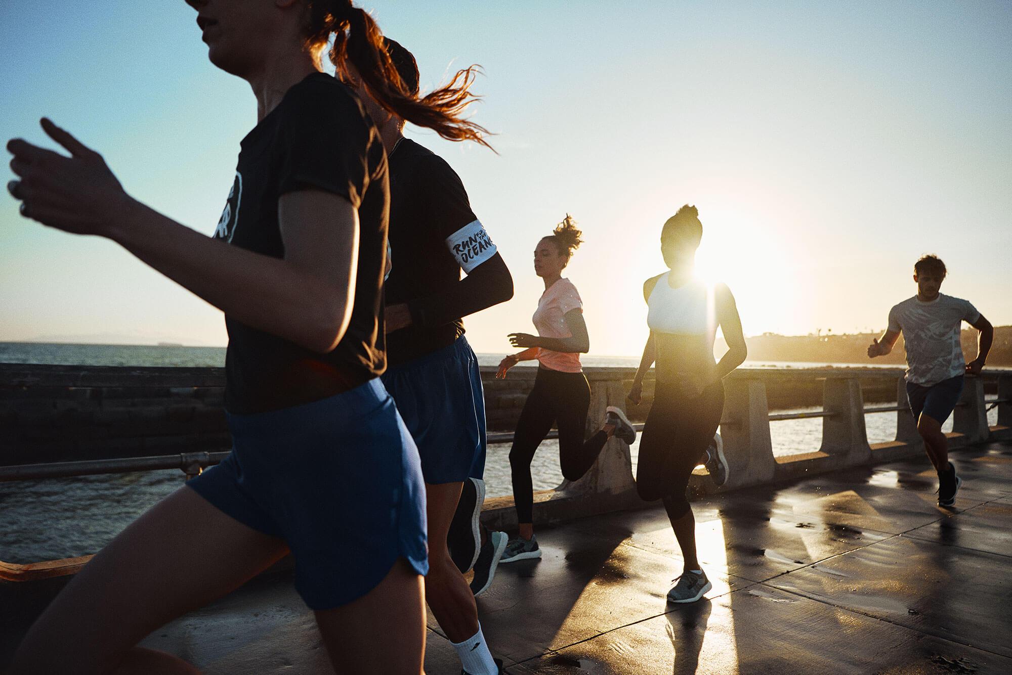 Pessoas correndo no Run for the Oceans