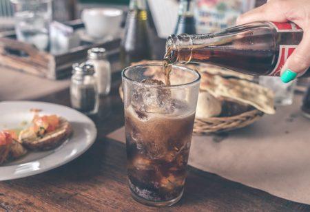 Light-Drinks vs. Softdrinks: Was ist besser?
