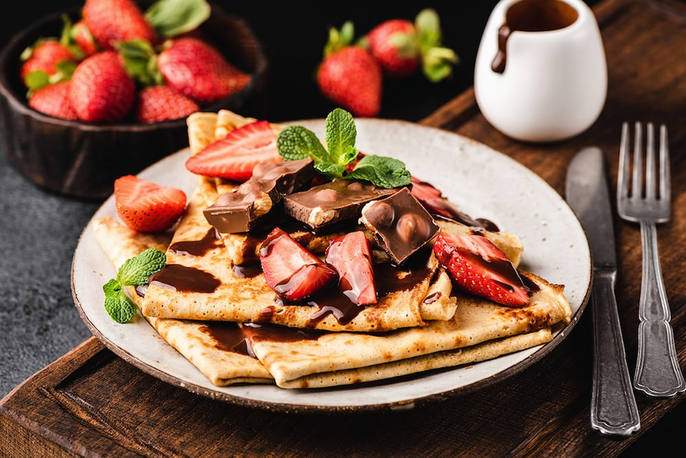 Chocolate Crêpes with Fresh Berries