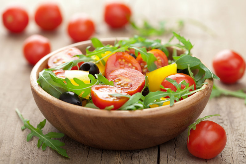 Mixed salad with fresh vegetables.