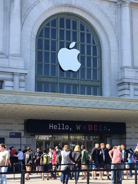 Eingang zur WWDC 2016.