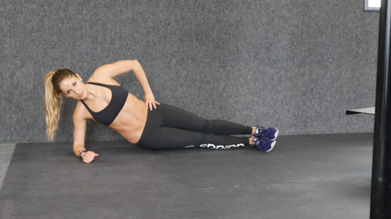 low side plank crunch a
