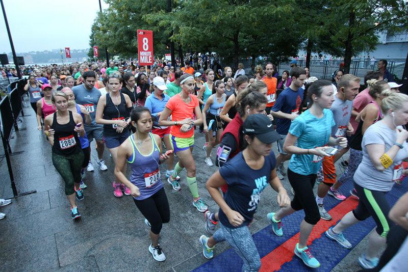 Female runners at the run 10 feet 10 event.