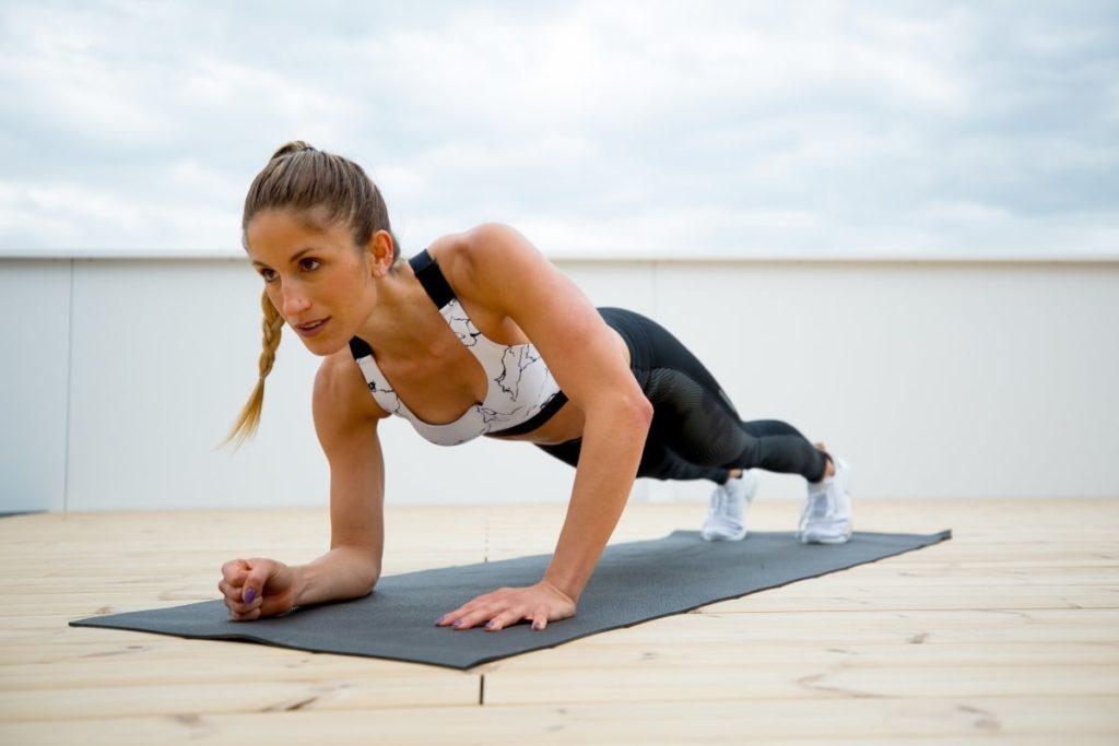 ejercicios para trabajar biceps con mancuernas