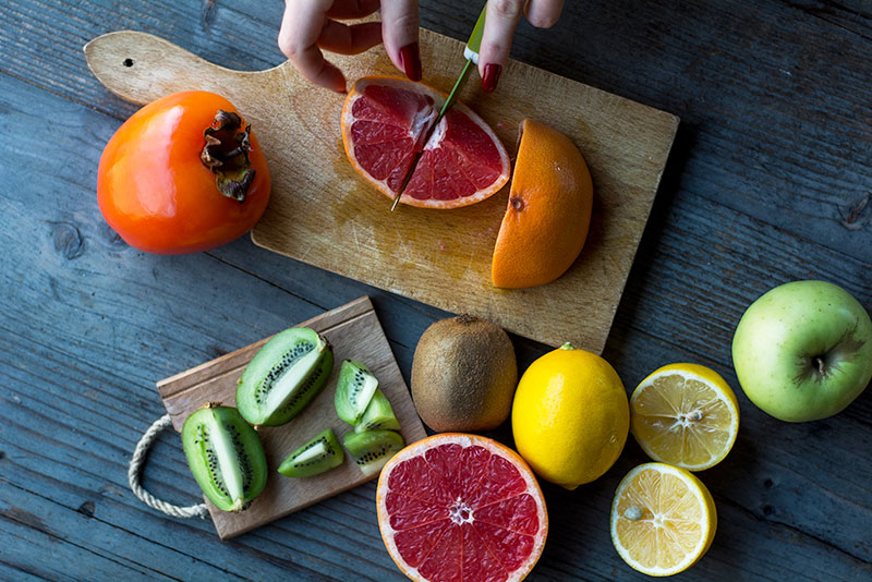 Frutas en una mesa