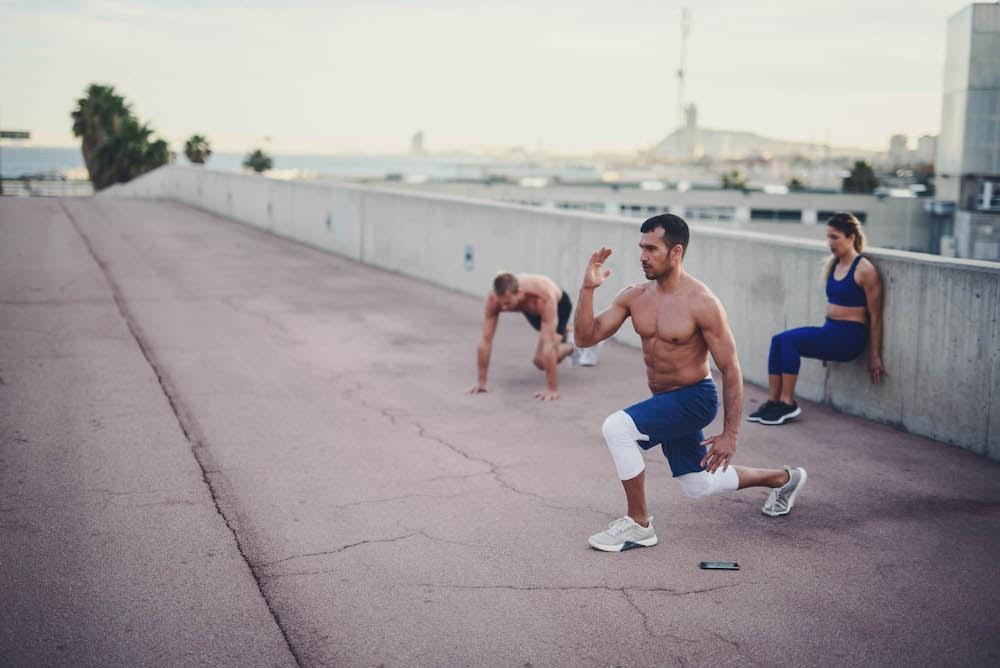Läufer machen Krafttraining