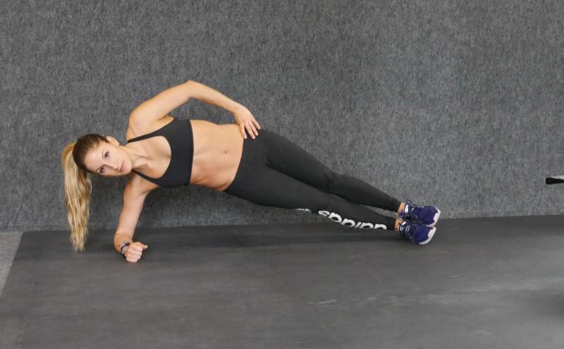low side plank crunch b
