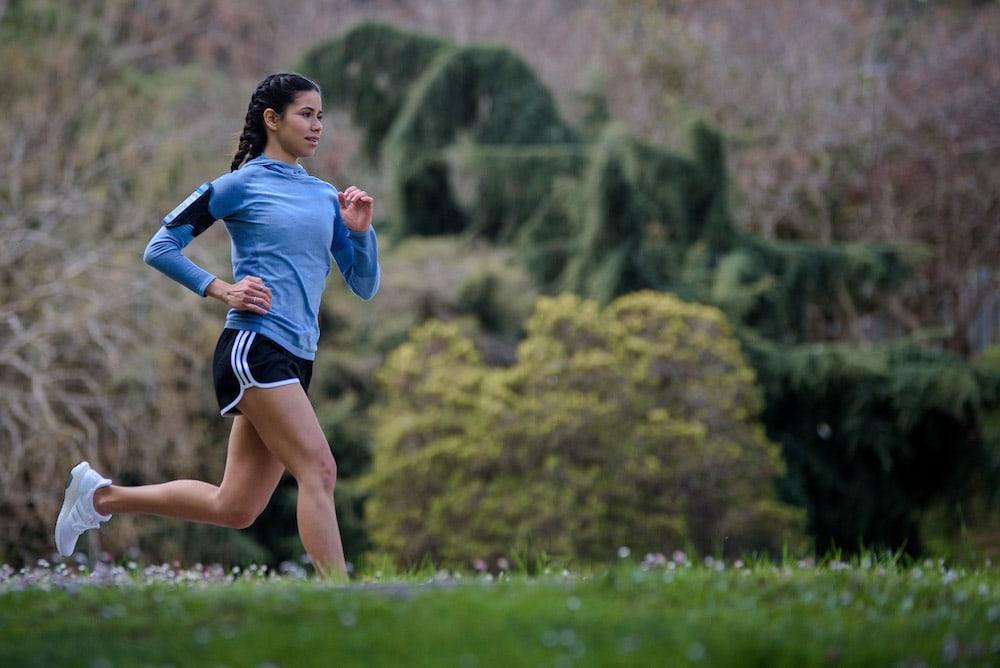 Frau läuft