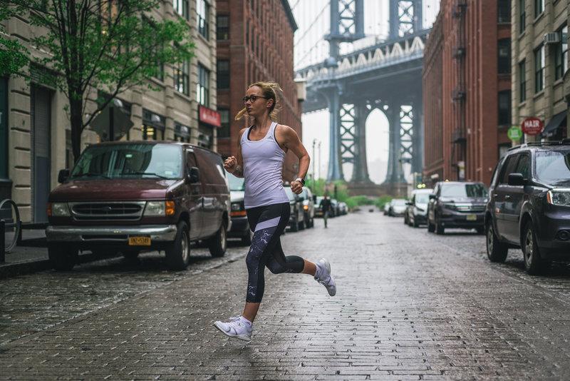 Corsa di una donna
