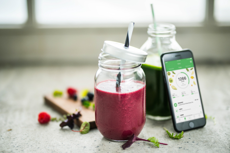Two smoothies and an iPhone with Runtastic Balance