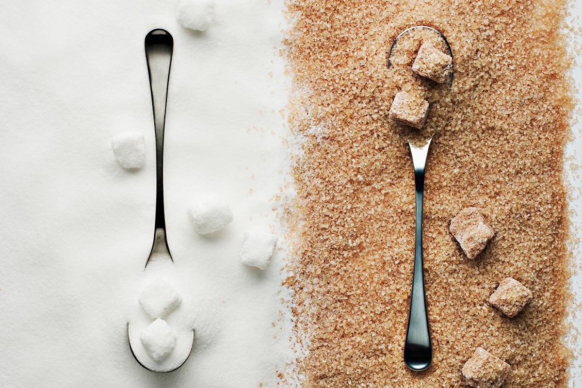 Sucre brun et sucre blanc