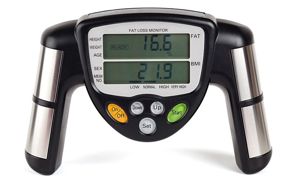 Aparelho de medição da gordura corporal por bioimpedância