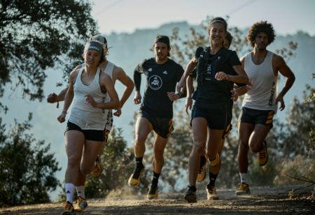 The adidas Runners haciendo trail running por la montaña