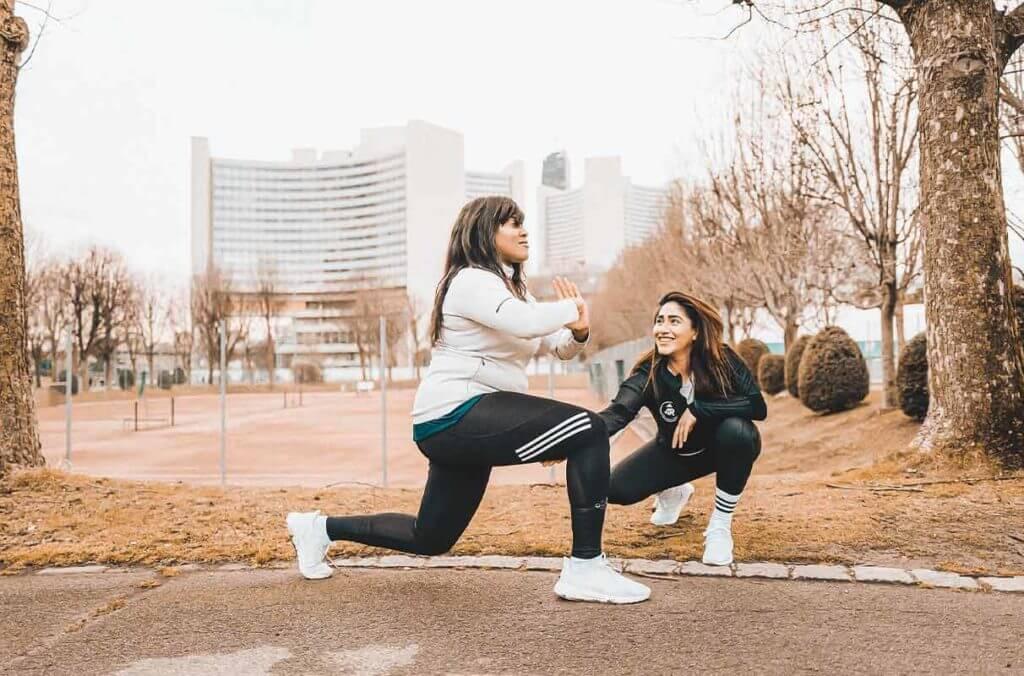 mujeres haciendo ejercicio y trabajando la motivación para entrenar