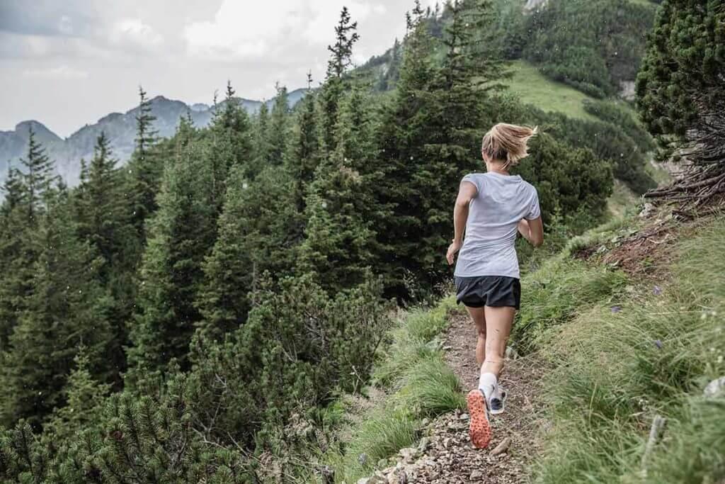 Resultado de imagen de correr `por el camino escarpado