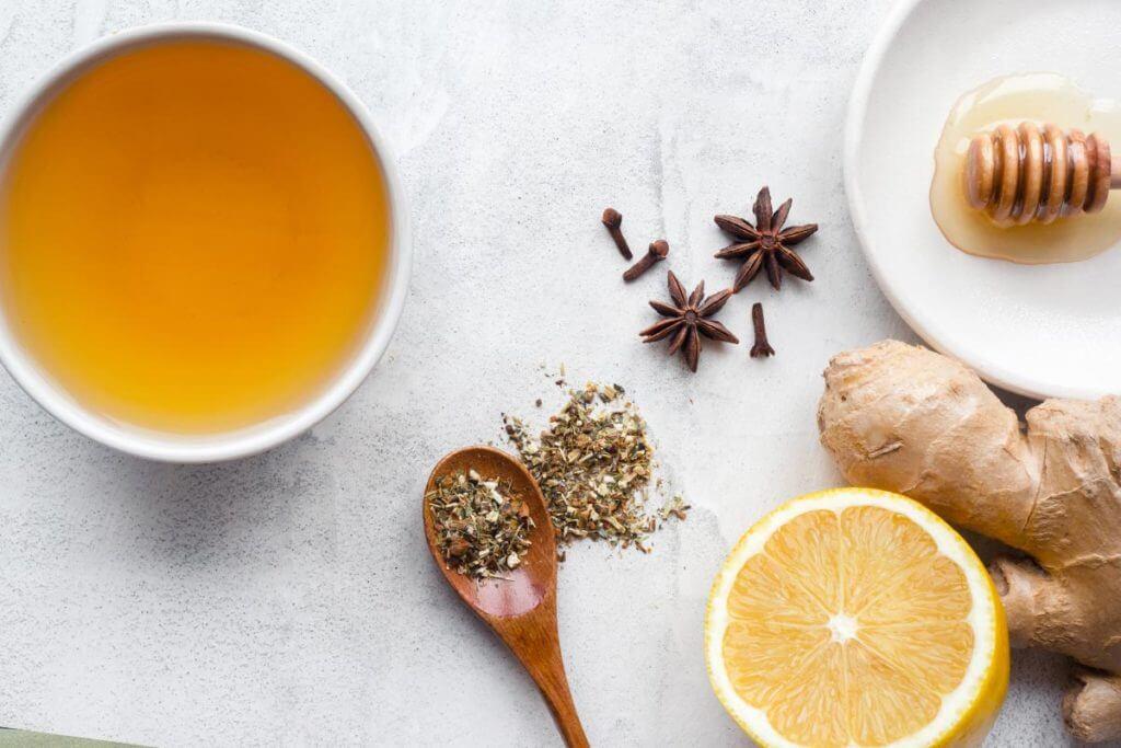 Chá de limão com gengibre para emagrecer dormindo