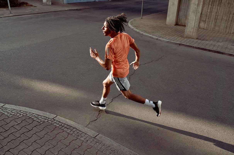 man running in the city