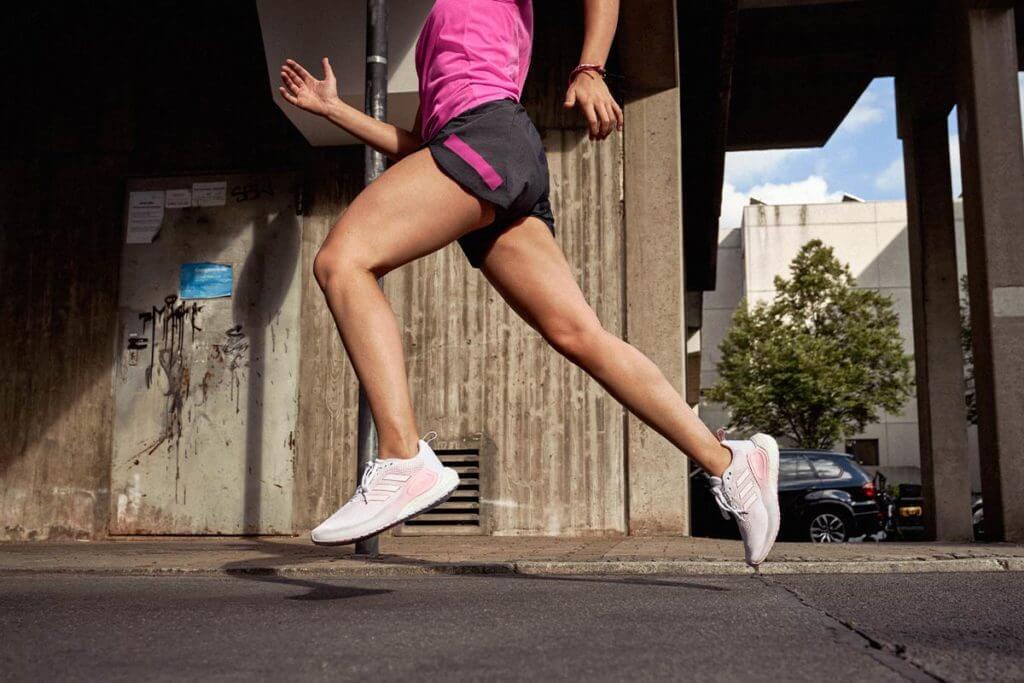 Equilibrio de tiempo de contacto con el suelo al correr