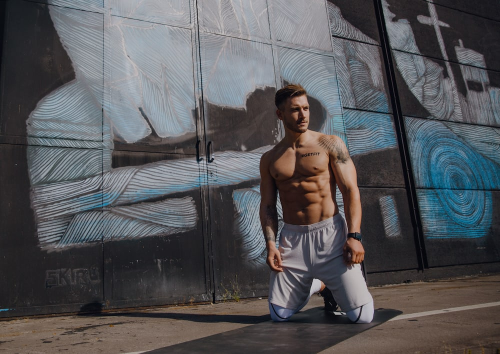 Man with a sixpack