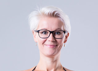 Blond woman with glasses